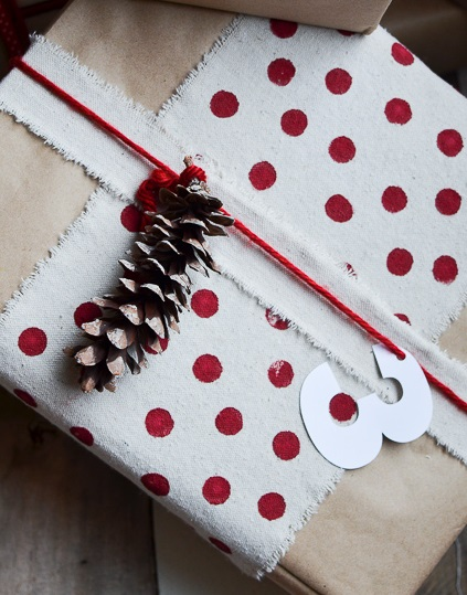 fabric scraps gift wrapping